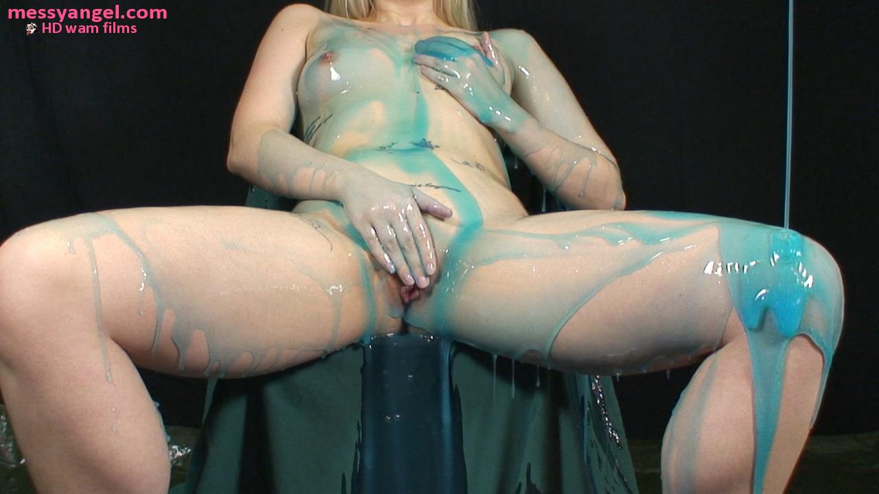 blonde_blue_slime_008.jpg