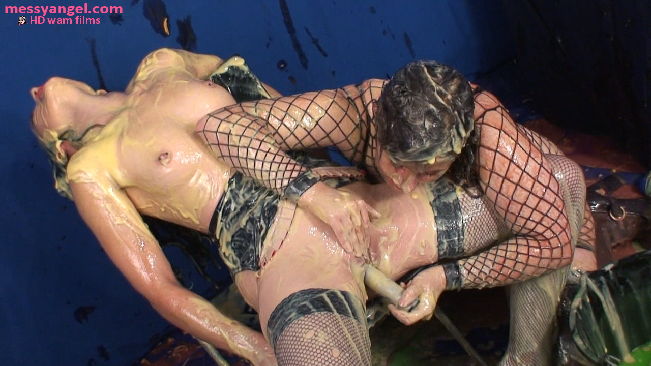 mistress_dom_sploshing_017.jpg