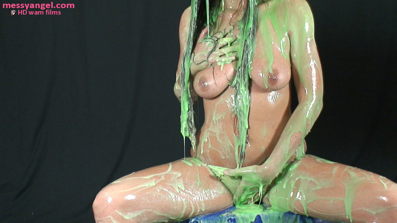 Hanjob girl bathing in goop bukkake whore