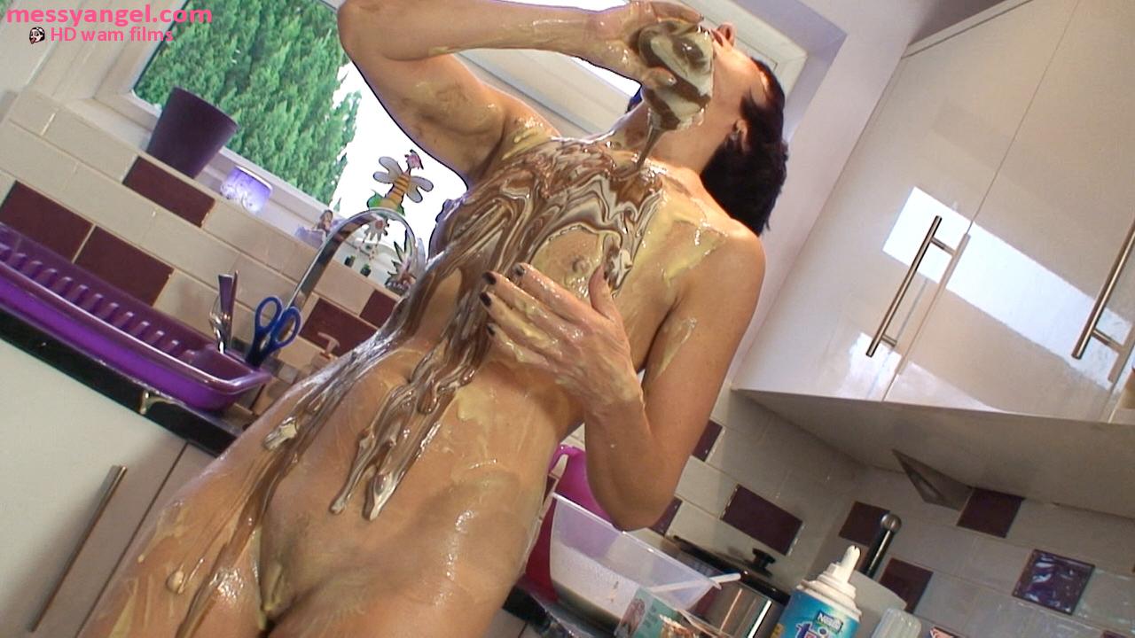 milf_messy_wam_kitchen_013