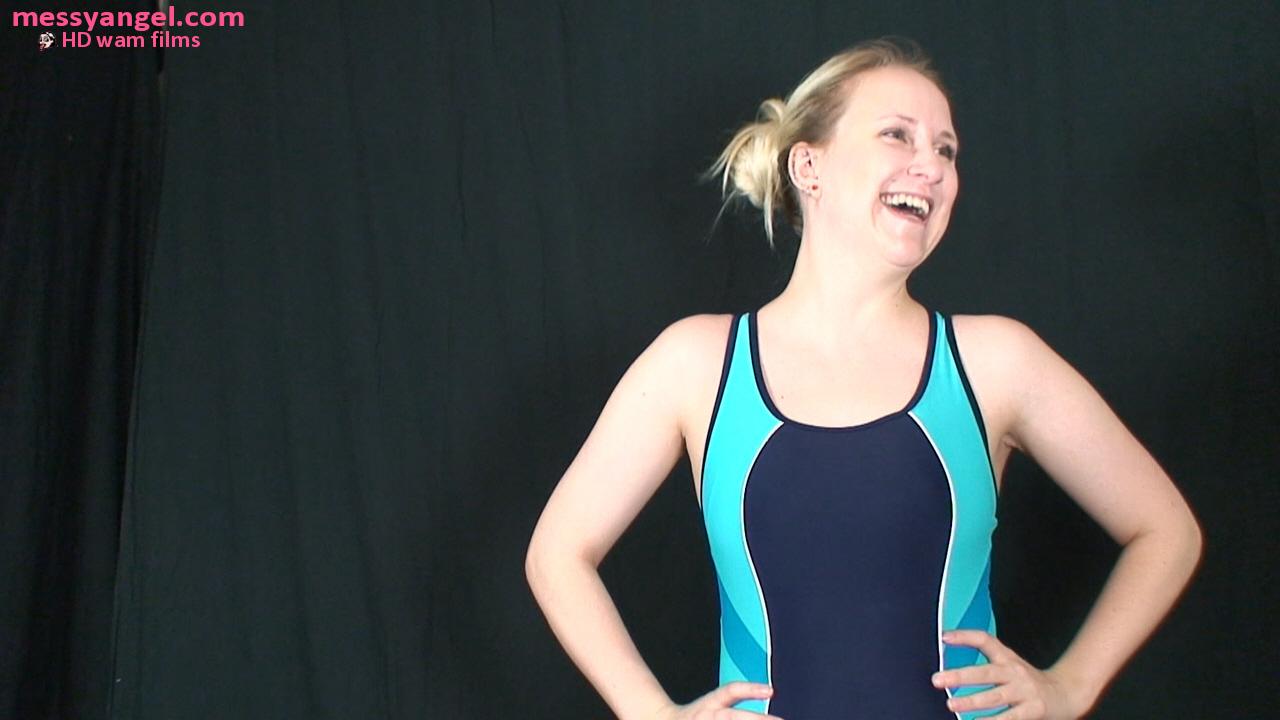 blonde_swimsuit_filling_gloop_001