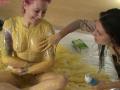 girls_sploshing_custard_005