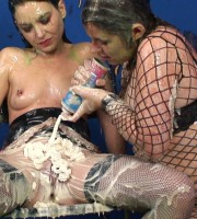 mistress_dom_sploshing_012